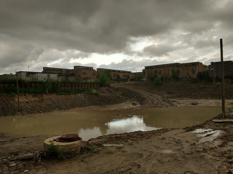 Giant pit (1) #toronto #davenport #dupontstreet #lansdowneave #pit #construction #pond #storm