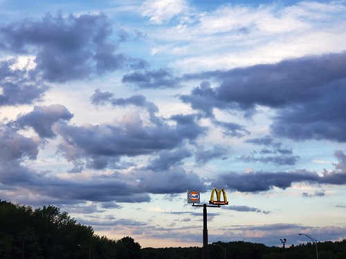 cameraphone clouds sunset galaxys9 august2020 sky massachusetts sign 2020 masspike mcdonalds gulf faved