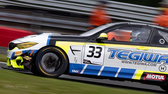 33 Century Motorsport BMW M4 GT4