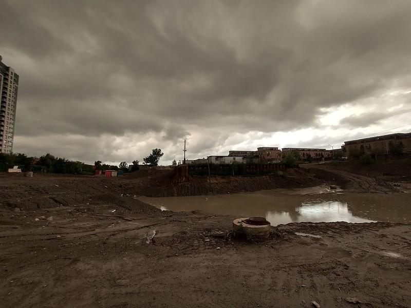 Giant pit (2) toronto #davenport #dupontstreet #lansdowneave #pit #construction #pond #storm