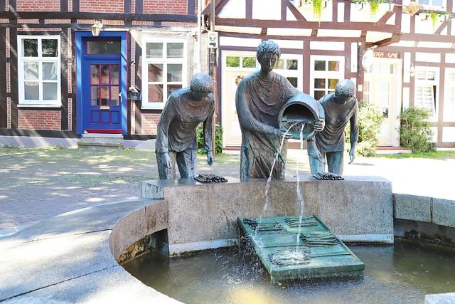 Spargelbrunnen in Nienburg-Weser 21.6.2020 0777