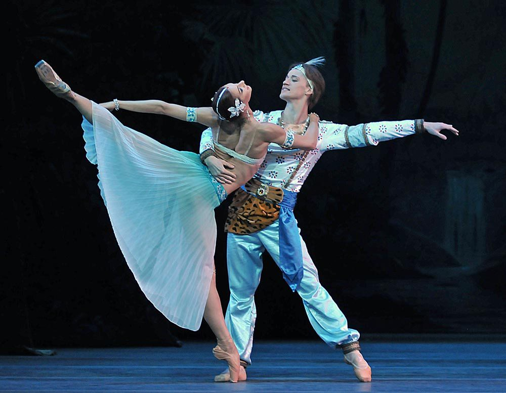 mariinsky-ballet-la-bayadere-act-i-denis-matvienko-solor-and-ekaterina-kondaurova-nikiya-pics-dave-morgan2