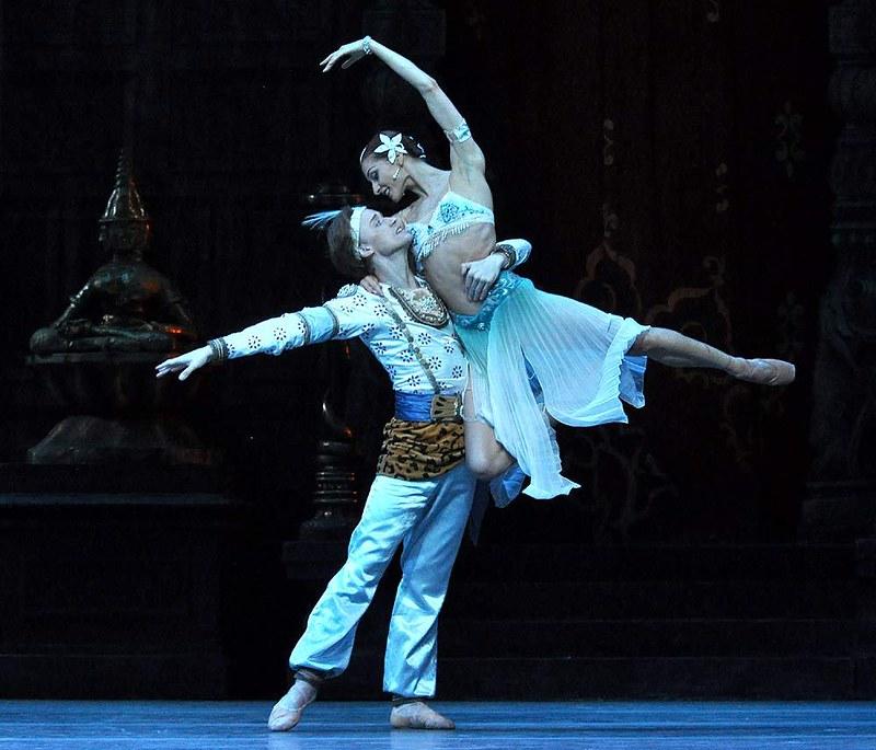 mariinsky-ballet-la-bayadere-act-i-denis-matvienko-solor-and-ekaterina-kondaurova-nikiya-pics-john-ross