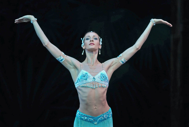 mariinsky-ballet-la-bayadere-act-i-ekaterina-kondaurova-nikiya-pics-dave-morgan3