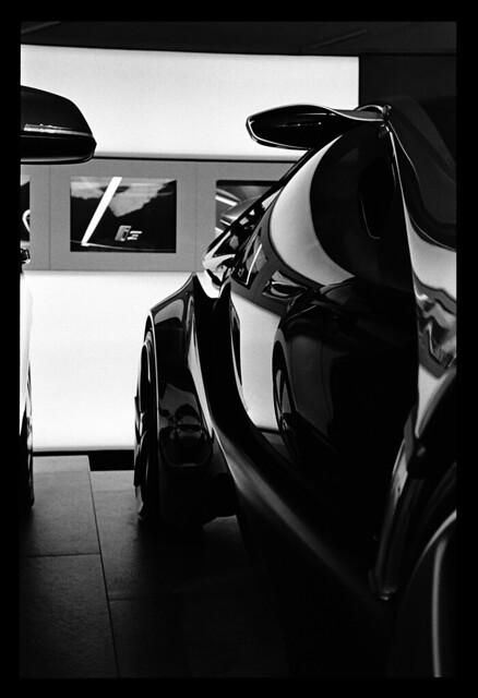 BMWi3 i8 silouettes and light
