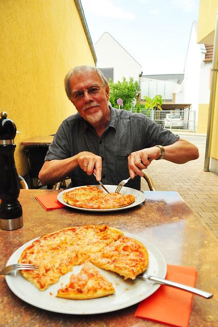 Juli 2020 ... Pizzeria Primavera in Saulheim ... Brigitte Stolle