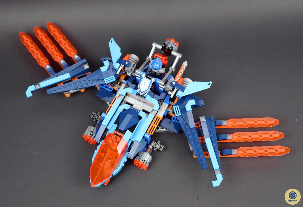 70351 Clay's Falcon Fighter Blaster 6