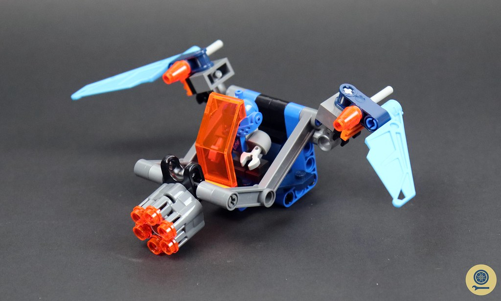 70351 Clay's Falcon Fighter Blaster 3