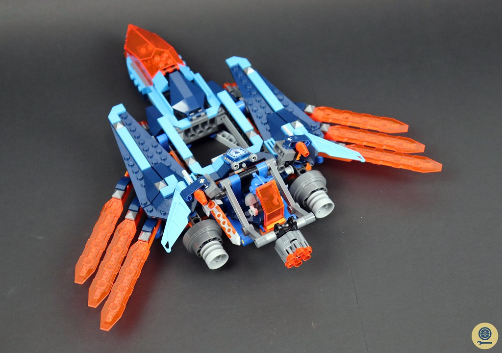 70351 Clay's Falcon Fighter Blaster 7