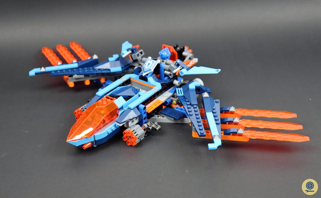 70351 Clay's Falcon Fighter Blaster 2