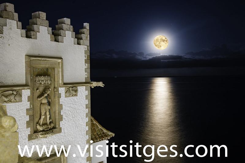 Visita guiada. Atardecer de luna llena en Maricel –  Sitgestiu 2021