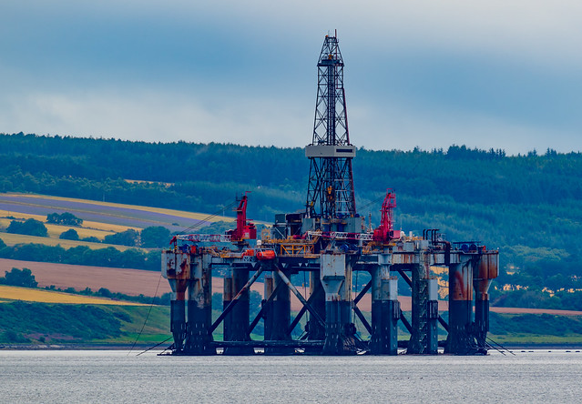 Cold Stacked Rig @ Cromarty Firth .