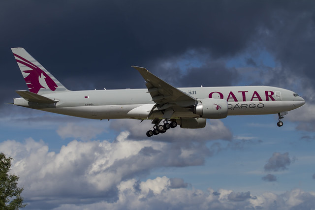 A7-BFJ in to land on RWY 01L at OSL