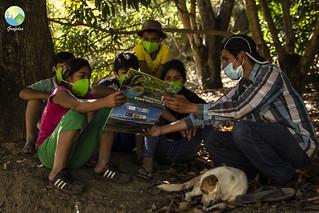 En julio de este año, los Comités de Vigilancia Ambiental realizaron un monitoreo del agua en el río Chetillano en Huaquillas, en Magdalena. El río Chetillano nace en Chetilla, donde tenemos a nuestra Guardiana del Agua Jovita, protegiendo y defendiendo la parte alta del río. En Huaquillas encontramos la parte baja de este río.  Para la población de Huaquillas, el trabajo de sus compañerxs en Chetilla es muy importante. Si entra contaminación en la parte alta del río, la contaminación llega hasta Huaquillas también. Es más, continuará hasta la costa, hasta donde sigue el río.   Es por ello que la comunidad de Huaquillas es tan agradecida por el trabajo de sus compañerxs en la parte alta del río, y porque ellxs también se comprometen a cuidar la parte baja del río, y han estado haciendo monitoreos ya desde hace 3 años.  Y gracias al trabajo en conjunto de lxs guardianxs del agua en la parte alta y parte baja, el agua del río Chetillano todavía está perfectamente limpia. Defendamos nuestros ríos, juntxs.