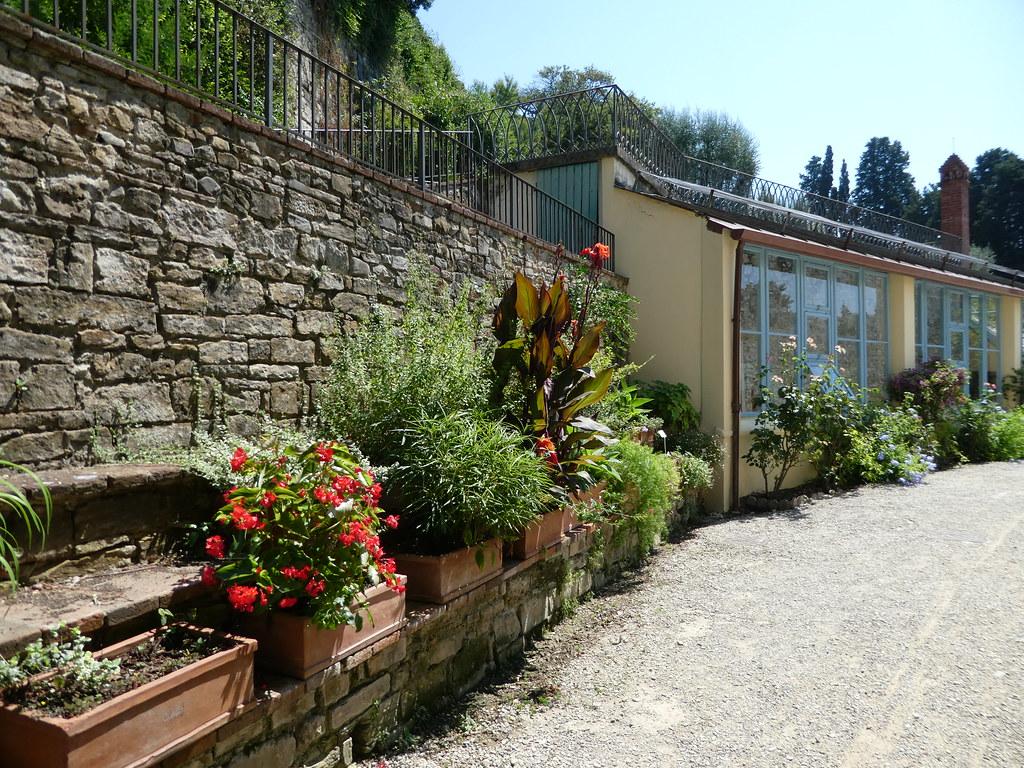 Rise Garden Florence