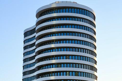 office building by SOP Architekten