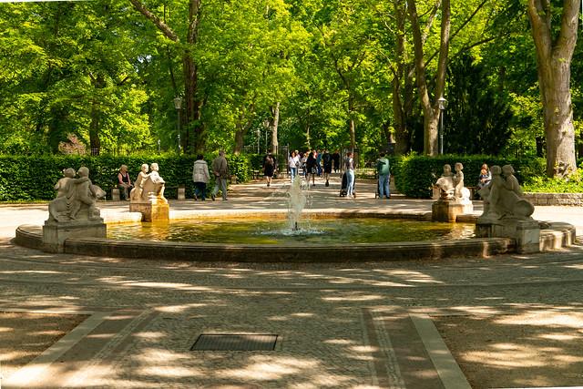 Der Rundbrunnen am Märchenbrunnen