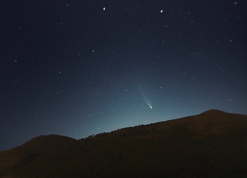 Comet NEOWISE over Wood Hill