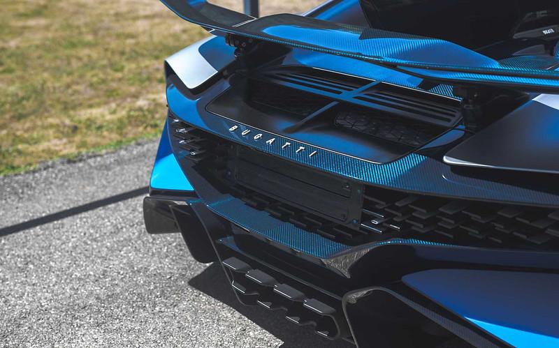 bugatti-divo-rear-3-4 (1)