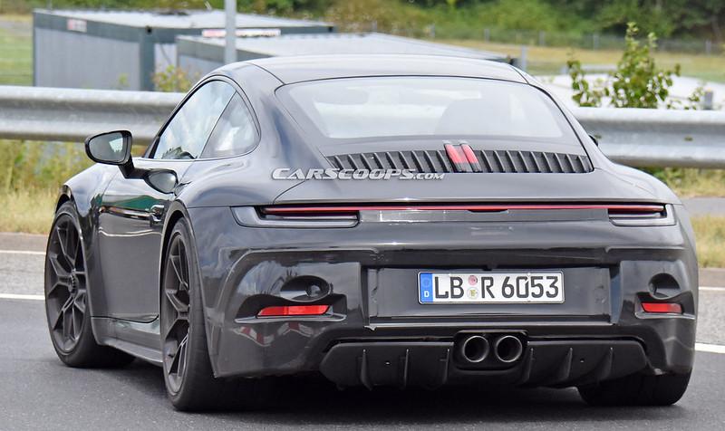 Porsche-911-GT3-Touring-15