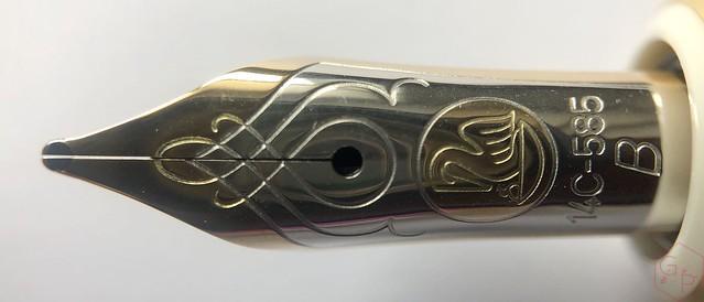 Pelikan Souverän M600 Pink & Violet Fountain Pens 7