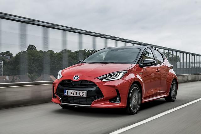 2020-Toyota-Yaris-01