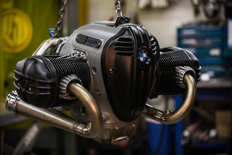 BMW-Motorrad-R-18-Dragster-Concept-32