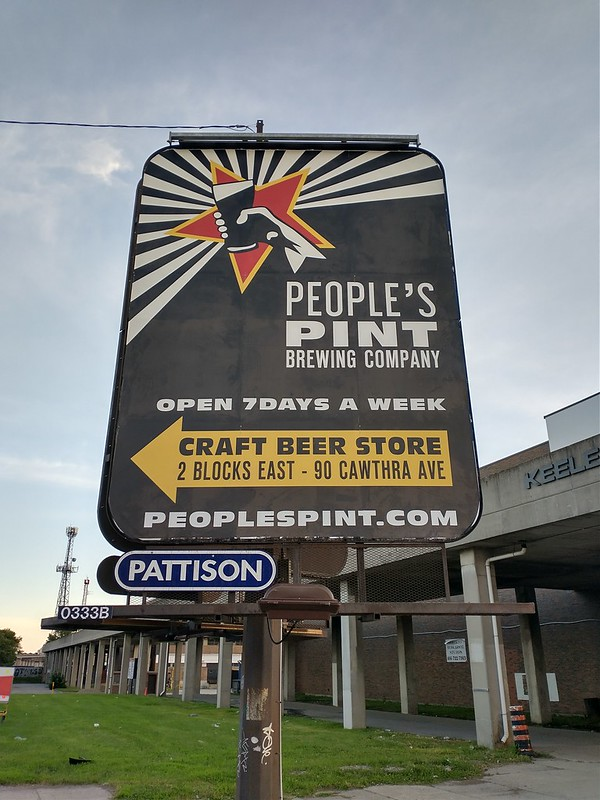 """People's Pint Brewing Company"" #toronto #stockyardsvillage #keelestreet #westtorontostreet #peoplespint #peoplespintbrewing #star #communism #beer #thejunction"