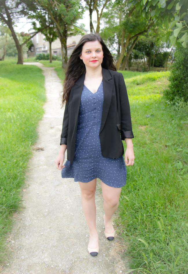 Look veste blazer et petite robe bleue
