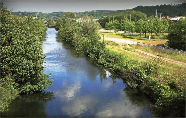 Le Canal de l'Ourthe du Pont des Grosses Battes, Angleur, Liège, Belgique