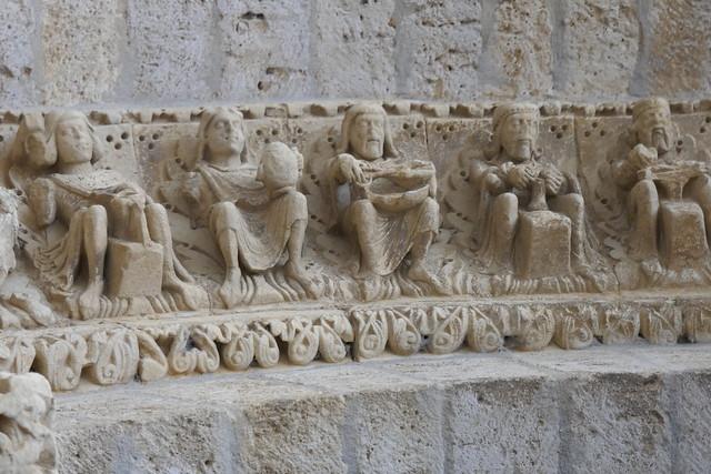 Portail roman (1160-1170), église de Santiago, Carrión de los Condes, province de Palencia, Castille-León, Espagne.
