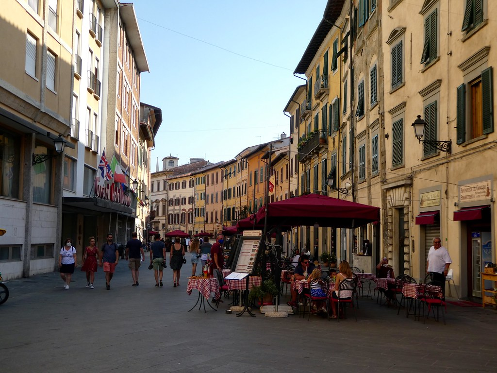 Typical street scene, Pisa