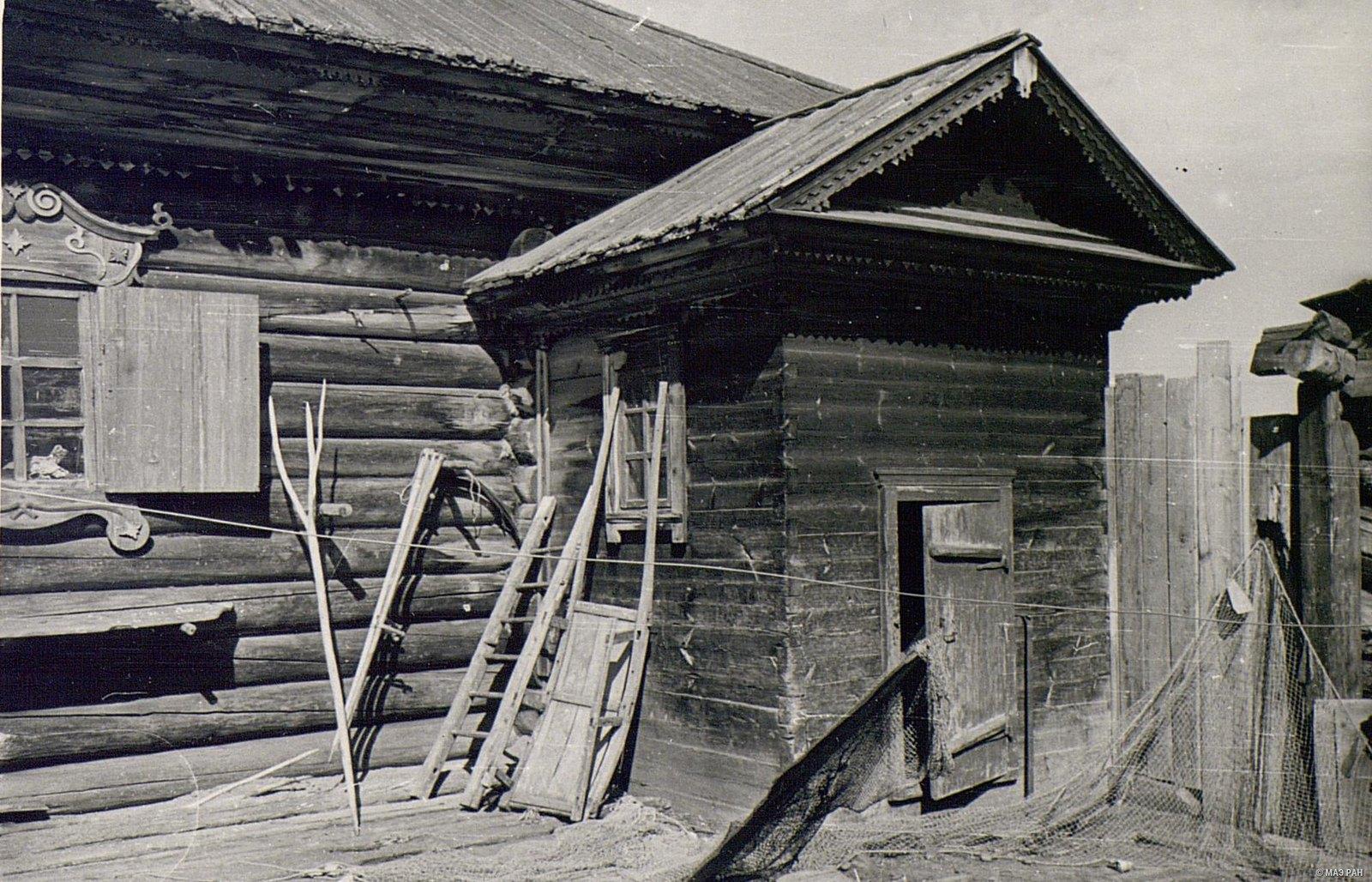 «Круглый» дом. Крыльцо