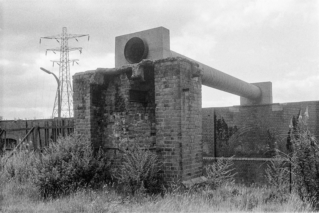 Bankside, Hull, 1987 87-8b-33-positive_2400