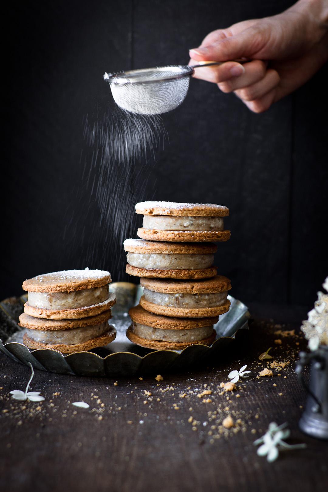 nana oat sandwich cookies
