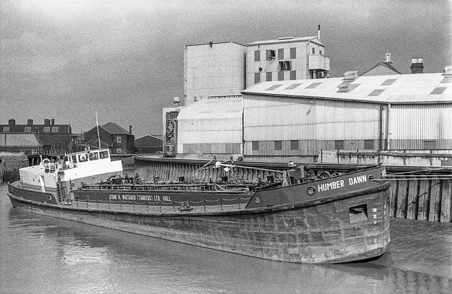 Humber Dawn, River Hull, Bankside, Hull, 1987 87-8b-35-positive_2400