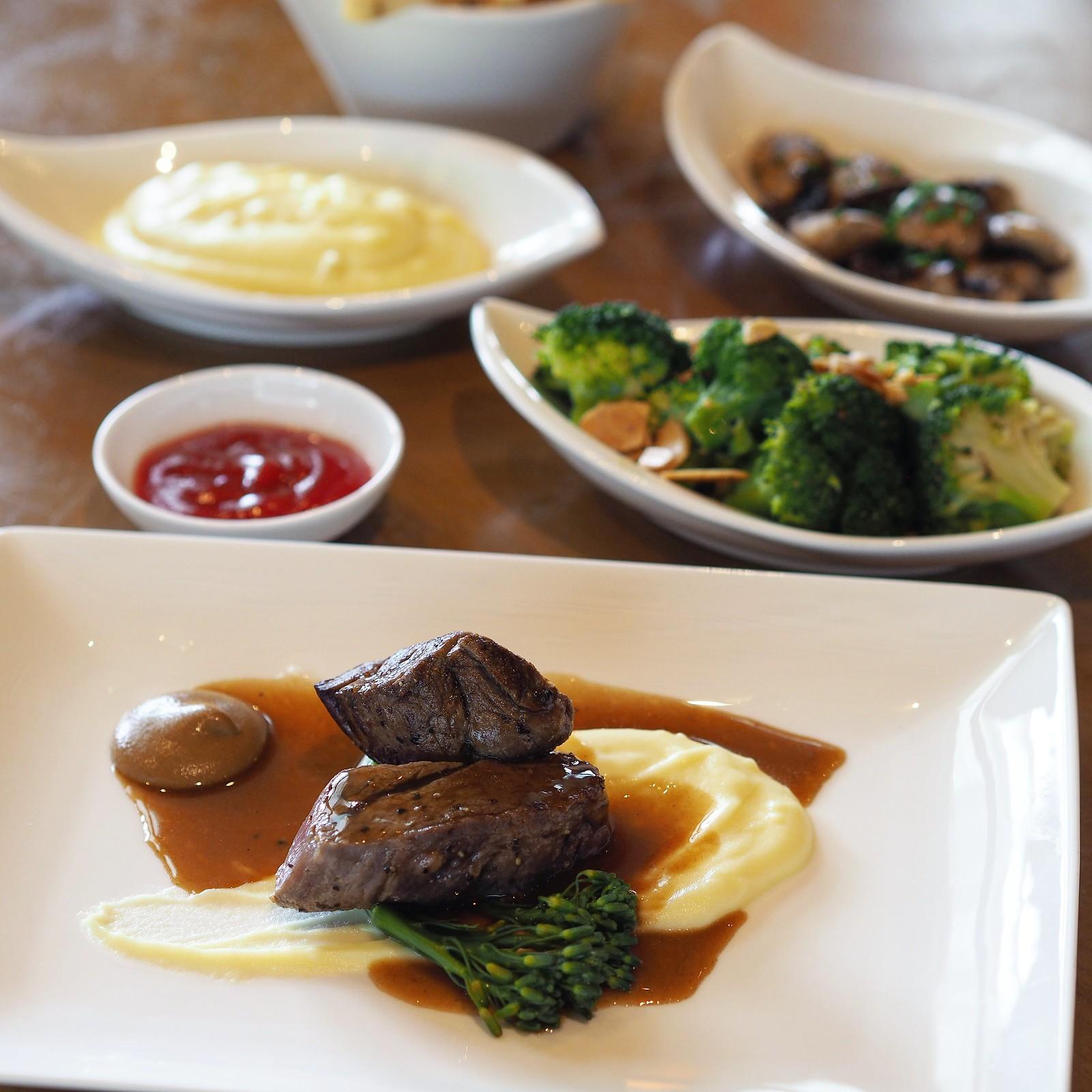 TownRestaurant22