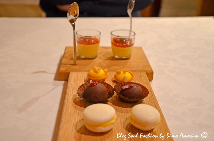 E as sobremesas não paravam por aqui. Olhem que lindo e delicioso essa composção de gostosuras. Um agradecimento especial ao chef Graziano e toda a sua equipe que fazem da paixão deles uma excelencia enogastronomica em Cortina. Parabéns.