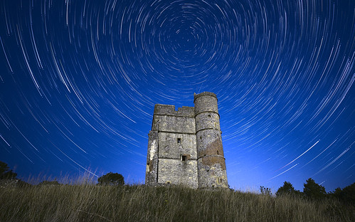 fuji fujifilm samyang 12mm xt3 donnington castle newbury westberkshire night nightscape stars startrails star trails starstax darktable astro astrophotography landscape blue
