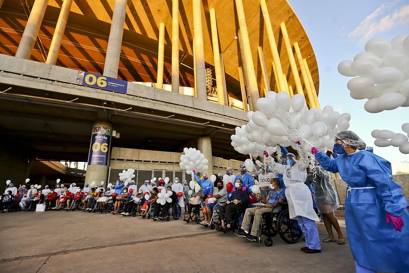 Mil balões para celebrar mil altas
