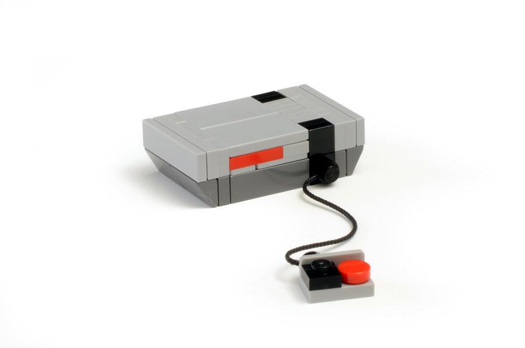 Miniature LEGO NES