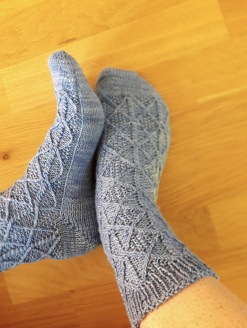 Anna (@kollar.annie) finished these intricate Dolores socks by Sari Nordlund!