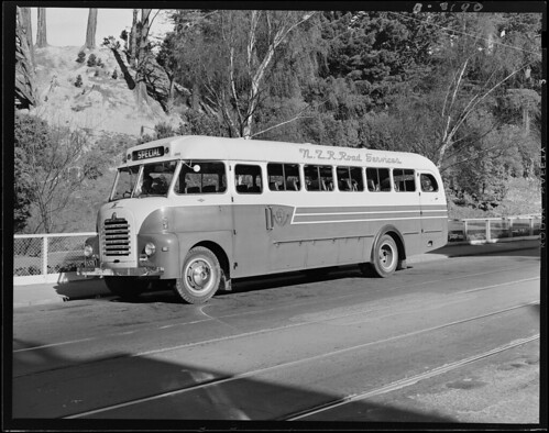 <p>On August 27 1952 this photo of an NZ Railways Road Services bus, waiting by the Botanic Gardens in Wellington, was taken by J.F. Le Cren.<br /> <br /> Archives New Zealand Reference: AAVK 6390 179 B3190<br /> <br /> Material from Archives New Zealand Te Rua Mahara o te Kāwanatanga</p>