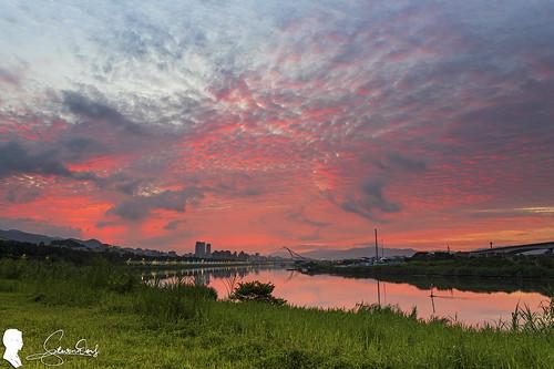 日出 sunrise 雲 火燒雲 skyfire 台北 台灣 taipei canon eos6d2 cloud