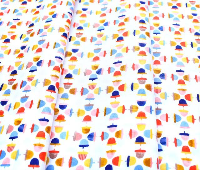 Windham Fabrics Sweet Oak 51308-2 Acorns White