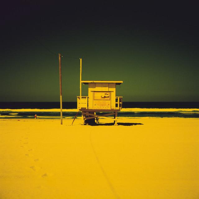 ave 26 (color infrared). venice beach, ca. 2011.