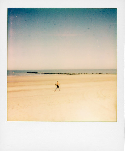 Beach, sun, sea, sand, heat ...
