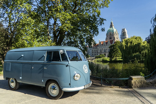 1950-volkswagen-bus-sofie-10