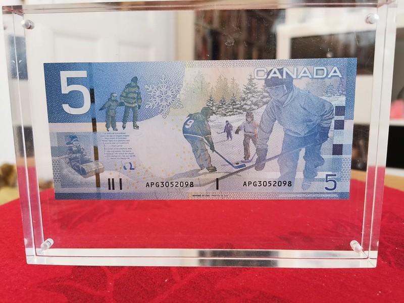Canadian $5 Bill, Reverse