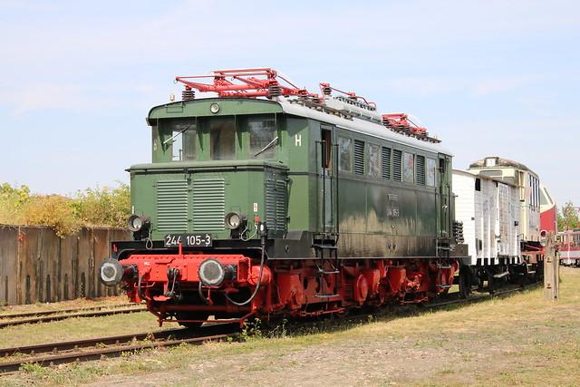TEV: Mehrzweck-Elektrolokomotive 244 105-3 im Eisenbahnmuseum Weimar